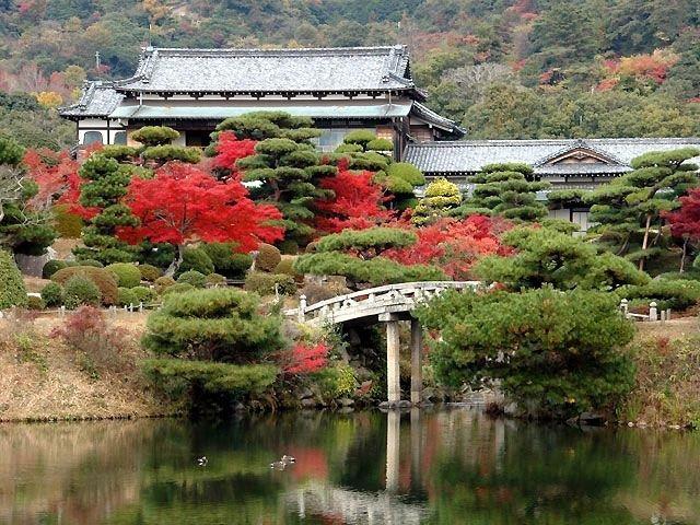 毛利氏庭園の紅葉