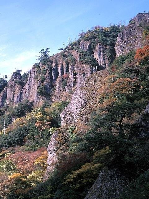 立久恵峡の紅葉|紅葉情報2020